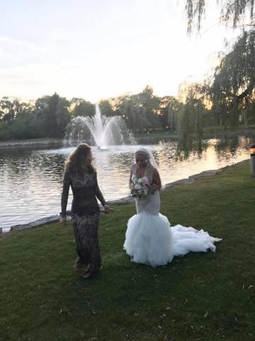 O artista romanca s-a maritat in America! Vezi cat de frumoasa e Cristina Darha -Uni-K, imbracata in rochie de mireasa si cat de mult a slabit! FOTO