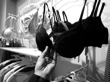 Idei de cadou pentru iubita: top 3 cadouri sexy de Valentine's Day