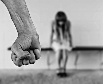 S-a aflat adevarul!Tanara de 21 de ani din Bacau care si-a injunghiat mortal sotul nu a mai suportat bataile