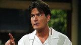 """Charlie Sheen, diagnosticat cu HIV, acuzat ca a intretinut relatii intime neprotejate! Raspunsul actorului este uimitor: """"Este un risc pe care ea il accepta cand face sex"""""""