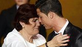"Declaratii halucinante ale mamei lui Ronaldo: ""Am vrut sa-l omor pe Cristiano band bere neagra, oparita, si alergand pana lesinam. Am vrut sa-l avortez. S-a incapatanat sa traiasca!"""