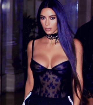 WOW! Câţi bani câştigă Kim Kardashian cu o singură postare pe reţelele sociale!