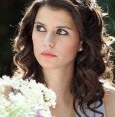 Beren Saat (Sultana Kosem), surprinsa in compania unui barbat misterios! Iata cine este acesta si ce anume se intampla intre ei!