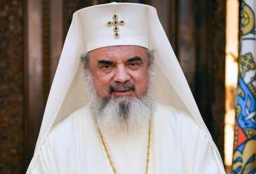 Imagini RARE cu Patriarhul Daniel! Cum arata in tinerete, cand avea 29 de ani, inainte sa intre in viata monahala