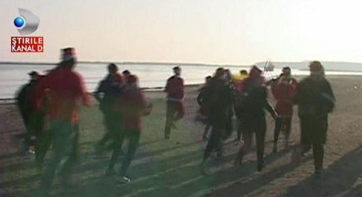 Ajutoarele lui Mos Craciun au iesit la alergat