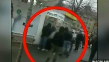 Timisorenii le-au declarat razboi hotilor de buzunare din autobuze. Iata ce bataie primesc cei care indraznesc sa fure