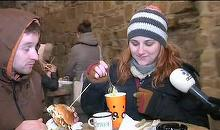 La Cluj a avut loc primul festival de street food in aceasta iarna. Mii de oameni stau la cozi pentru a gusta din delicioasele preparate