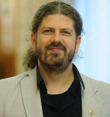 Remus Cernea a facut donatii uriase catre PSD, in 2012! Promovat ca un baiat sarac si cinstit, activistul a facut imprumut de la banca din dragoste pentru social-democratie