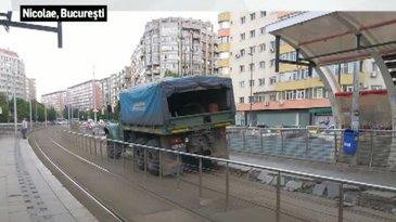 Un refugiu de tramvai din zona Obor, distrus chiar de catre angajatii RATB! Imaginile care ii vor revolta pe bucuresteni!