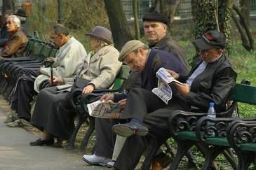Guvernul anticipeaza ca Romania va ajunge la un maxim al pensionarilor in 2040. Cum spera Executivul ca se va rezolva problema