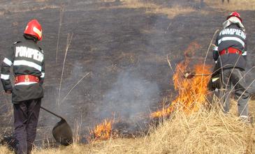 Val de incendii urias in Romania. Doar intr-o zi au fost mistuite de flacari 125 de hectare de teren