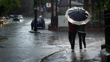 Meteorologii anunta schimbari majore! Vremea se raceste puternic incepand din aceasta dupa-amiaza