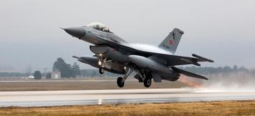 Primele avioane de lupta F-16 au ajuns in Romania. Cat a platit statul roman pentru ele