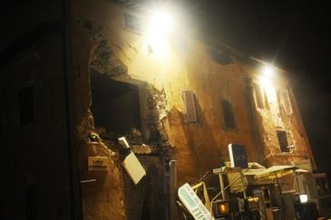 Teroarea a invaluit din nou Italia! O biserica din orasul Norcia a fost doborata din temelii. O televiziune italiana a filmat tot momentul. Imagini socante