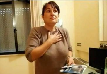 """Romanca, umilita de autoritatile din Italia dupa cutremur: """"S-a uitat la noi de parca am fi c***e"""". Marturia plina de revolta a femeii care se simte discriminata"""