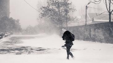 Meteorologii au prelungit codul galben de viscol pentru 11 judete din estul si sud-estul tarii