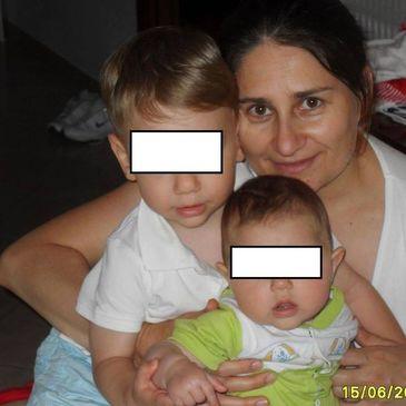 O romanca si copiii ei, prinsi sub daramaturile hotelului din Italia. Sotul se teme ca ar putea fi morti deja