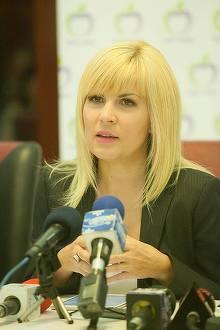 """Ea este politista acuzata ca ar fi batut un sofer beat pentru ca acesta i-ar fi spus ca seamana cu Elena Udrea! Din fericire pentru Gabriela, se pare ca varianta """"victimei"""" nu sta in picioare"""