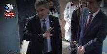 Ministrul Sanatatii, in vizita la  cea mai mizerabila sectie din spitalele romanesti. N-a rezistat mai mult de 3 minute inauntru - Reactia lui spune totul despre conditiile in care sunt tratati bolnavii