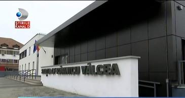O investitie de 7 milioane si jumatate de euro, blocata in Valcea. Gara din localitate este inchisa de un an pentru ca... - Numai in Romania era posibil asta