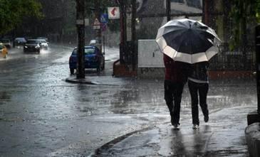 Alerta de la meteorologi. Ploi si vant puternic in sudul si estul tarii pana marti dimineata