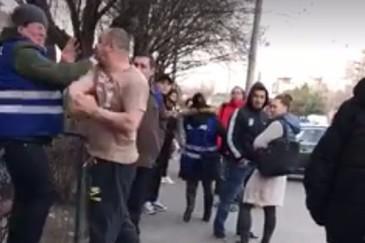 Scandal de proportii in Capitala. Tatal unei fete amendate in RATB i-a batut pe controlori