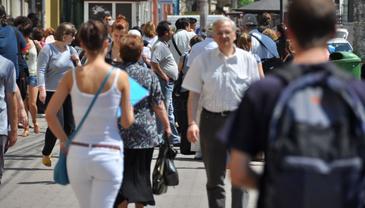 Specialistii explica de ce romanii au cele mai mici salarii, desi sunt cei mai productivi din Europa