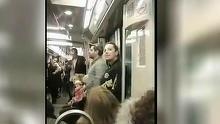 Doi romani uimesc Franta cu vocea si talentul lor! Fac un adevarat spectacol in metroul francez