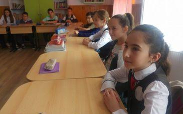 """Comuna din Romania unde abandonul scolar este aproape zero - """"Copiii vin de drag la scoala!"""" - Asta e exemplul ce trebuie urmat in intreaga tara"""