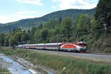 Numarul locurilor din trenurile care pleaca din judetul Constanta si de pe Valea Prahovei a fost suplimentat cu 10.000
