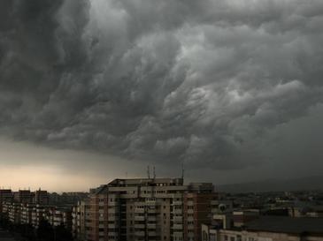 ANM a emis cod galben de furtuna in Bucuresti