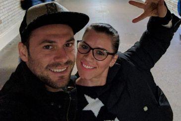 Andreea Cristea, tanara ucisa in atentatul terorist din Londra, a fost inmormantata. Iubitul ei nu s-a dezlipit nicio clipa de sicriu