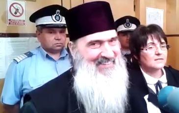 """IPS Teodosie afla pe 22 mai daca va fi arestat la domiciliu. Avocata arhiepiscopului sustine ca documentul DNA este unul fals: """"Numai diavolul imi vrea raul!"""""""