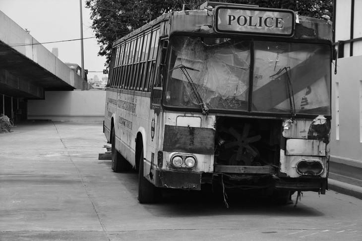 Un autobuz plin cu calatori a luat foc in mers pe DN 19, in judetul Bihor.