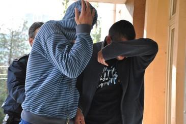 """Talharie """"made in Iasi"""". Un tanar de 31 de ani a intrat in apartamentul vecinei sale pentru a fura bunuri, dar a sfarsit prin a-i cere victimei sa ii faca oua ochiuri - Cazul real care i-a bulversat pana si pe politisti"""
