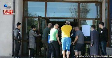 """Pompierii din Slobozia, misiune in premiera. """"Victima"""" are nu mai putin de 600 de kilograme"""