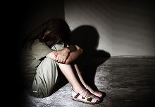 Fetita de 10 ani, fortata sa se marite cu cel care a violat-o si a lasat-o insarcinata