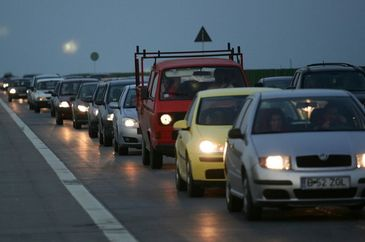 Trafic ingreunat pe Autostrada Soarelui in urma unui accident rutier; doua persoane au fost ranite