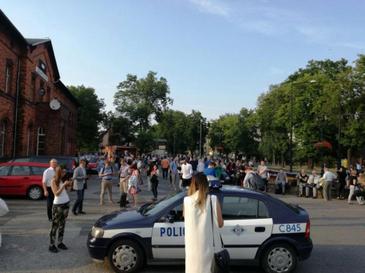 Un tren Varsovia-Berlin, evacuat intr-o gara dintr-un satuc in centrul Poloniei in urma unei amenintari cu bomba