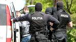 Doi barbati din Arad au fost retinuti de politisti dupa ce au furat recipiente din metal cu substanta radiocativa ca sa le vanda la un centru de fier vechi