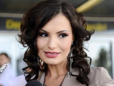 O fosta Miss Universe Romania a ajuns consilier personal la Ministerul Agriculturii - Larisa Maria Popa a fost selectata personal de catre secretarul de stat pentru care lucreaza
