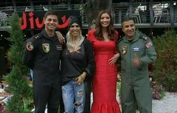 Dupa un show aviatic de exceptie, pilotii echipei turcesti de acrobatie Soloturk au fost invitati la cina, alaturi de vedetele Kanal D