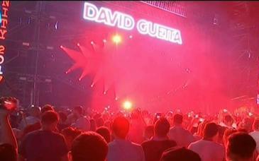 David Guetta a oferit un spectacol de zile mari la festivalul din Bucuresti!