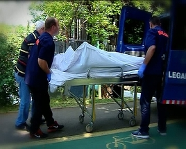Copil de 14 ani, disparut de cinci zile intr-un canal al raului Bistrita, gasit mort de catre pompieri. Un tanar de 19 ani este cautat in continuare