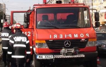 Seful ISU Vaslui, reclamat de angajati ca blocheaza cu masina familiei activitatea masinilor de interventie a pompierilor