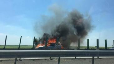 Panica pe Autostrada Soarelui! O masina a luat foc in mers