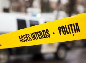 O femeie a murit si alta a fost ranita in Vrancea, dupa ce au fost lovite de o masina cand traversau strada prin spatele unui microbuz