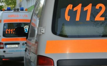 Un barbat a murit strivit de masina, sub privirile ingrozite ale sotiei. Victima incerca sa opreasca masina care pornise singura