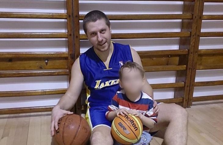 Motivul cumplit pentru care barbatul si-a injunghiat copilul in Vrancea. Ca sa scape baiatul din mainile lui, sora si mama acestuia l-au muscat de maini