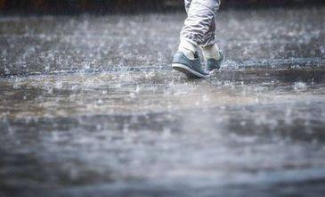 ANM a emis doua noi avertizari de ploi torentiale, vijelii si grindina pentru Bucuresti si 24 de judete. Vremea se va raci accentuat